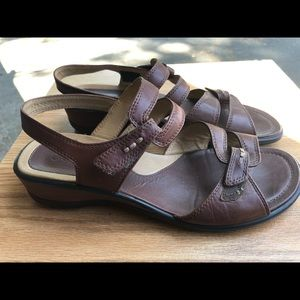 Ecco Women's Brown Leather Sport Sandals Size 9